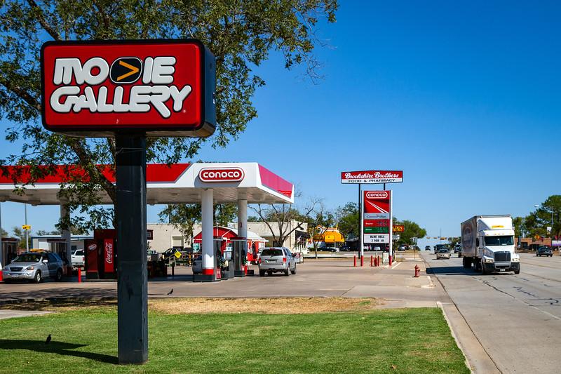Movie Gallery, Conoco Garage, Brookshire Brothers, Geddings, Texas, 3-10-2011 (IMG_3860) 4k