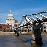 St Paul's Cathedral & Millennium Bridge, 22-10-2011 (IMG_5116) 4k