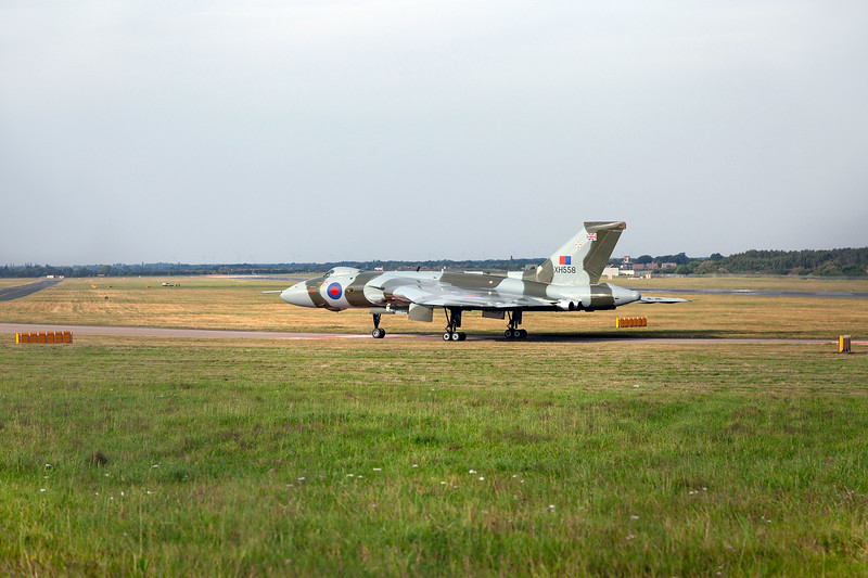 XH558 at Finningley, 9-9-2012 (IMG_9780) 4k
