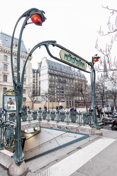 Paris - Citi Metropolitain Station, 11-3-2013 (IMG_1925) Nik CEP4 - High Key 4k