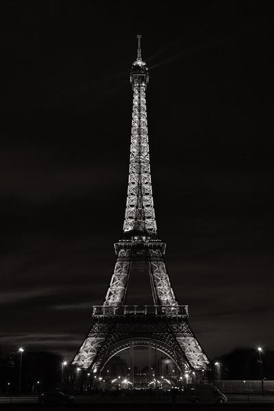 Eiffel Tower (Mono, Night)