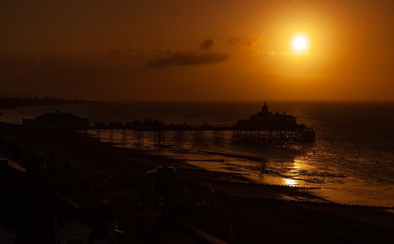 Eastbourne - Sunrise over the Pier, 9-5-2013 (IMG_2742) 4k
