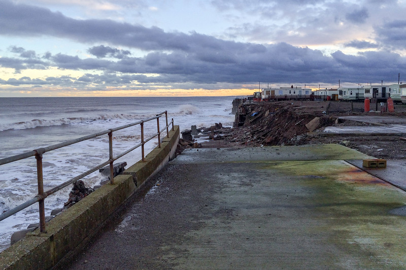 Ulrome - Southfield Sea Wall Collapse, 30-12-2013 (IMG_5541) Max