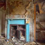 Forgotten House, Hessle, 26-6-2014 (IMG_1248) Nik HDR Efex Vignette 4k