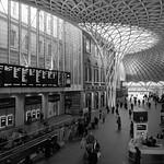 Kings Cross Station Concourse, 20-1-2014 (IMG_7595) B&W 4k