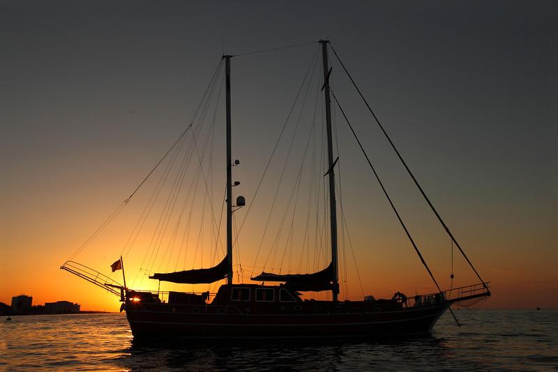 Yacht, San Antonio Bay