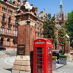 St Pancras - Telephone Box, 15-5-2014 (IMG_9911) 4k
