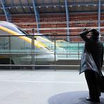 London - St Pancras, Eurostars & Sir John Betjeman, 29-1-2014 (IMG_7940) 4k