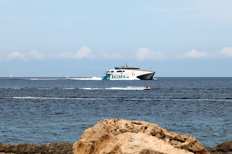 Ibiza - Jaume III approaching San Antonio Port, 30-8-2014 (IMG_7333) 4k