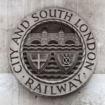 London - City & South London Railway Crest, 10-10-2015 (IMG_1252) 4k