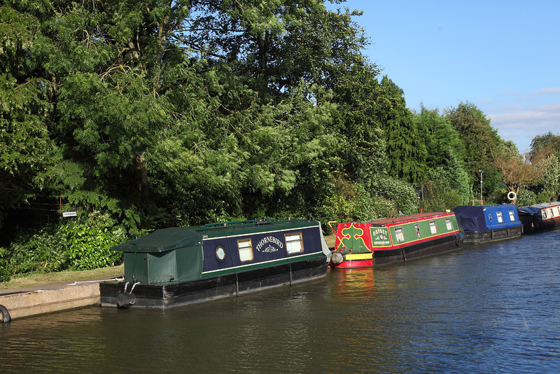 Thornebird & Osprey on Grand Union Canal,  Hatton
