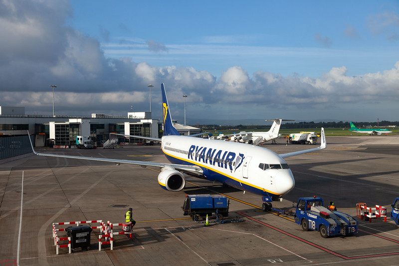 EI-EVW at Dublin Airport