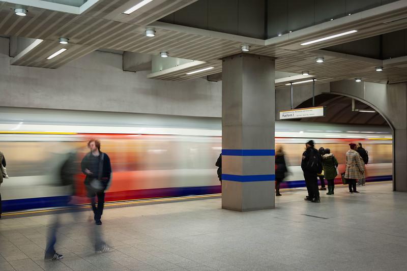 Kings Cross St Pancras Underground (Circle-Metropolitan-H&C Lines), 16-1-2016 (IMG_9444) 4k
