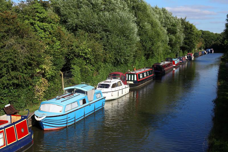 Grand Union Canal Boats, Hatton