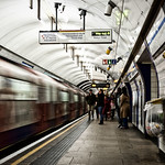 Kings Cross St Pancras Underground (Victoria Line), 16-1-2016 (IMG_9459) Nik CEP4 Bleach Bypass Normal 4k