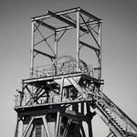 Barnsley Colliery Headstocks, 21-4-2019 (IMG_6552) B&W halftone (Newspaper) 4k