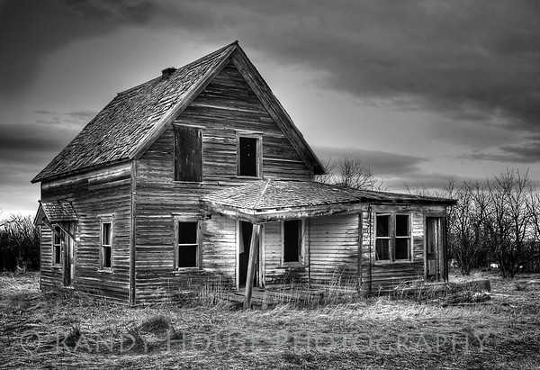 Abandoned farmhouse near Moore, MT