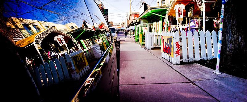 Toronto, Kensington Market, Reflection