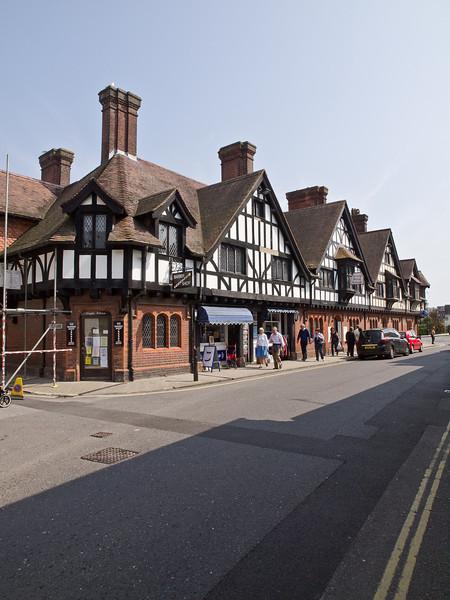 17 April 2011. High Street.  Copyright Peter Drury 2011