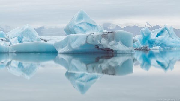 The Three Icebergs Musketeers