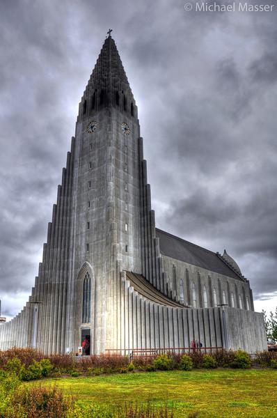 Hallgrimskirkja-Reykjavik-HDR