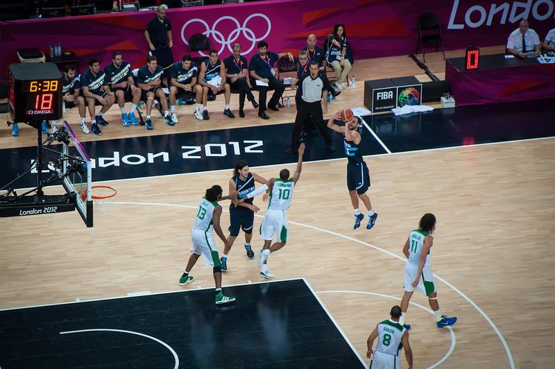 Argentina-vs-Brazil-London-2012-Olympics-Mens-Basketball-Quarter-Finals-17