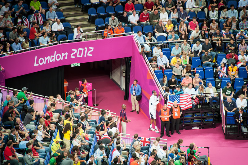 Durant-watches-Argentina-vs-Brazil-London-2012-Olympics-Mens-Basketball-Quarter-Finals