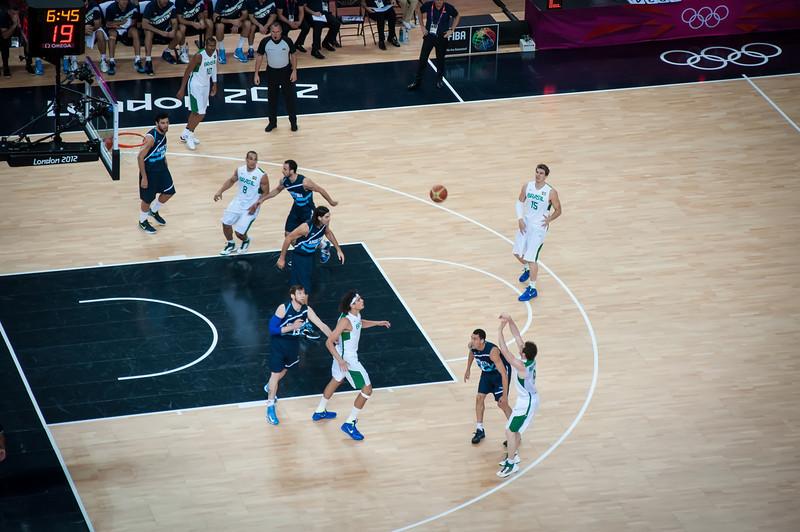 Argentina-vs-Brazil-London-2012-Olympics-Mens-Basketball-Quarter-Finals-5