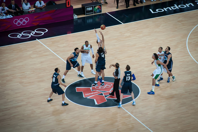 Argentina-vs-Brazil-London-2012-Olympics-Mens-Basketball-Quarter-Finals-2