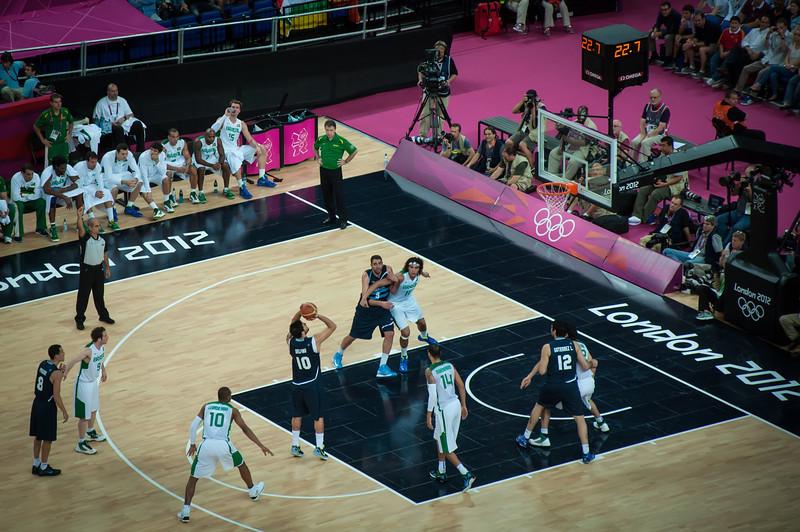 Argentina-vs-Brazil-London-2012-Olympics-Mens-Basketball-Quarter-Finals-13