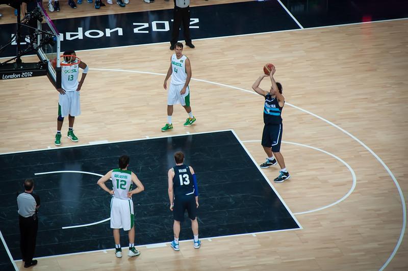 Argentina-vs-Brazil-London-2012-Olympics-Mens-Basketball-Quarter-Finals-23