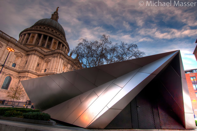 New-Meets-Old-St-Pauls-Cathedral-and-Tourist-Information-London-HDR