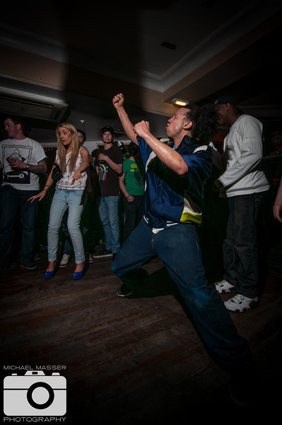 Reminisce-This-at-The-Harley-Sheffield-St-Patricks-Day-2012-19