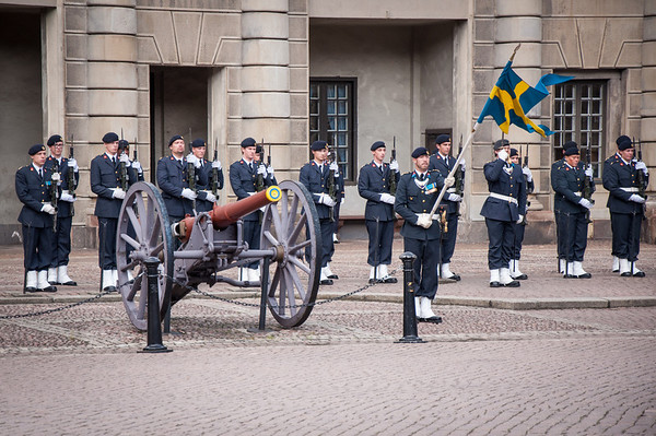 Changing-of-the-Guard-Royal-Palace-Stockholm-Sweden-7