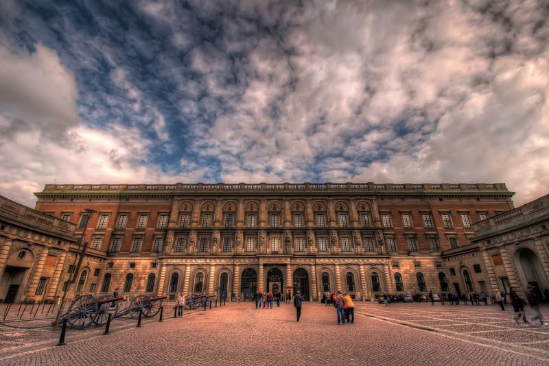 Royal-Palace-Gamla-Stan-Stockholm-Sweden-HDR