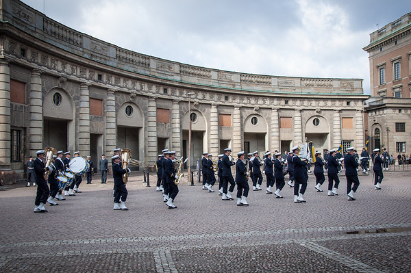 Changing-of-the-Guard-Royal-Palace-Stockholm-Sweden-6