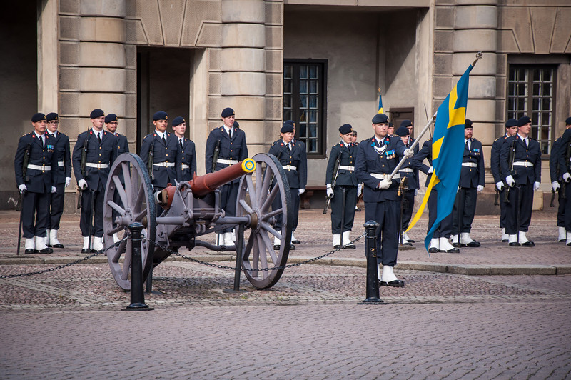 Changing-of-the-Guard-Royal-Palace-Stockholm-Sweden-8