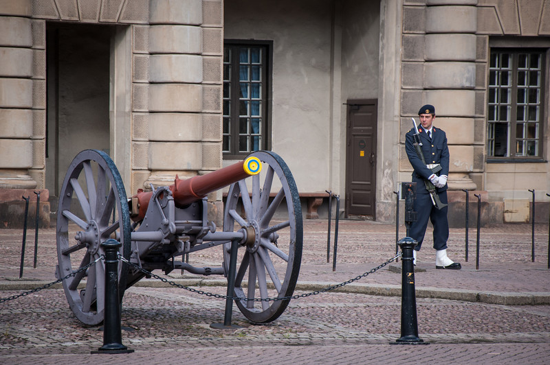 Changing-of-the-Guard-Royal-Palace-Stockholm-Sweden-1