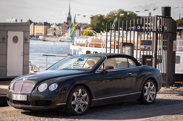 Bentley-at-Strandvagen-Harbour-Ostermalmstorg-Stockholm-Sweden-6