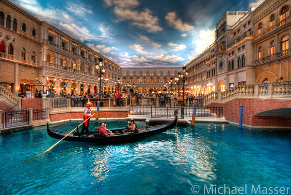 A-Gondola-In-The-Venetian-Las-Vegas-HDR