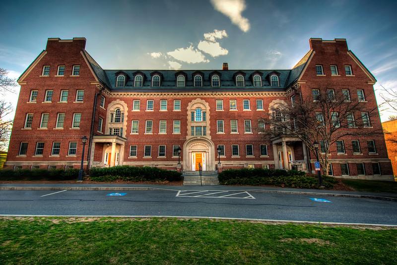 Morris-Pratt-Dormitory-Amherst-College-Massachusetts-HDR-16