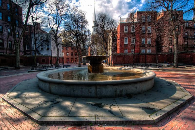 Paul-Revere-Mall-Fountain-Boston-Massachusetts-HDR-37