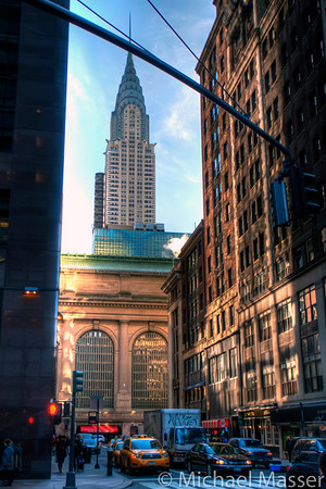 Crysler-Building-towering-over-Grand-Central-Station-HDR