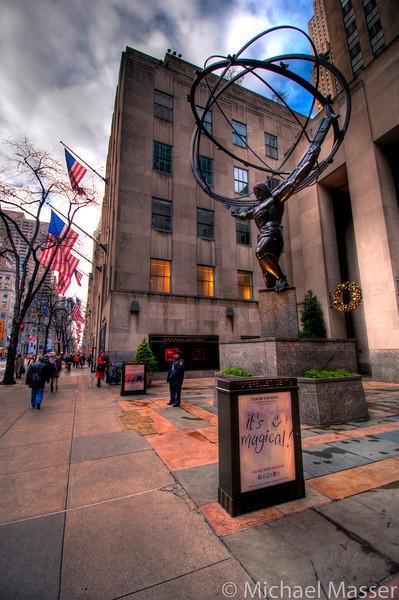 Rockefeller-Center-Atlas-and-5th-Avenue-HDR