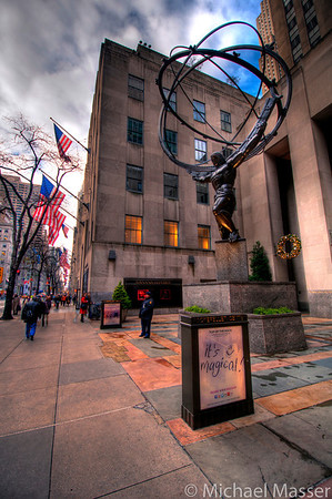 Rockefeller-Center-Atlas-and-5th-Avenue-HDR