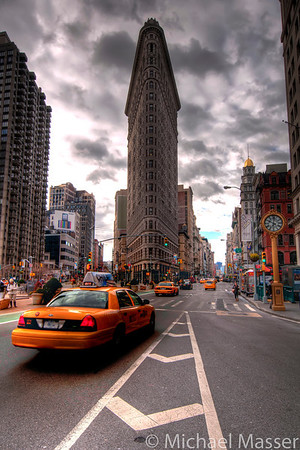 Flat-Iron-Building-Yellow-Taxi-HDR