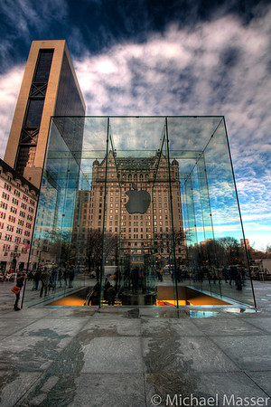 Apple-Store-5th-Avenue-HDR