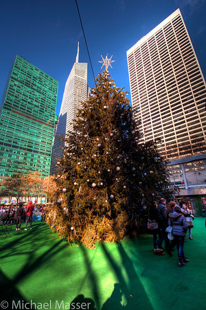 Bryant-Park-Christmas-Tree-HDR