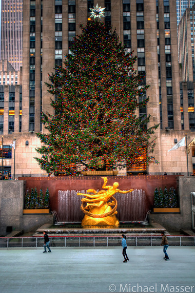 Rockefeller-Center-Christmas-Tree-HDR