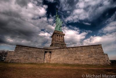 Statue-of-Liberty-Liberty-Island-HDR-2